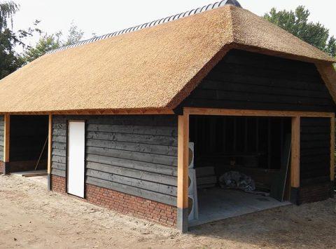 Den Hartog riet - Kapschuur met carport, berging en zolder
