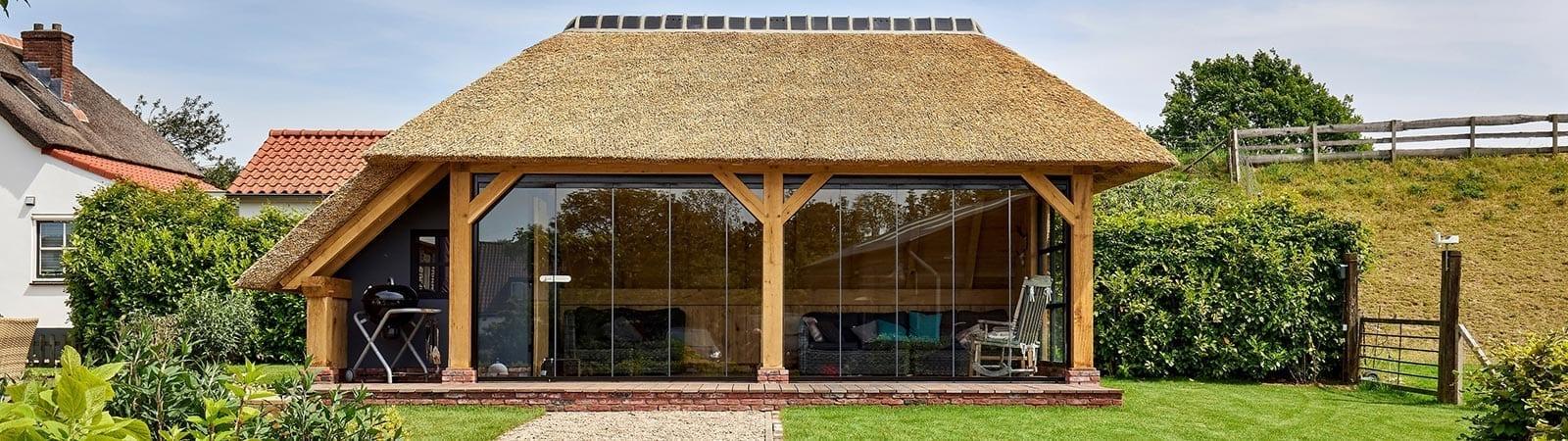 Tuinkamer rieten dak