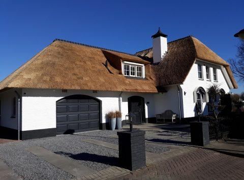 Den Hartog riet - Landhuis, van pannen naar riet