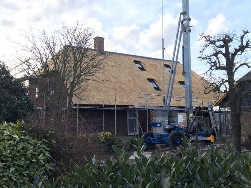 Den Hartog riet - Rietdekken woning in Nederhemert