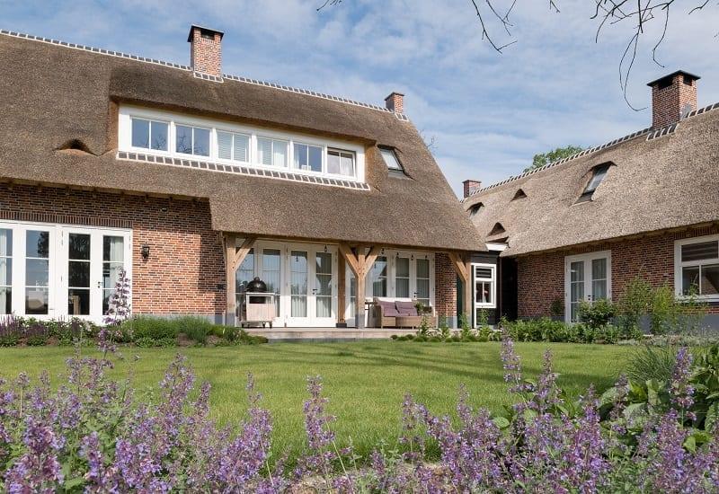 Landhuis met rieten dak