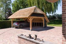 Den Hartog riet - Carport met rieten dak