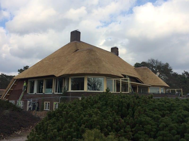 Rieten dak Golfclub gebouw, Valkenswaard