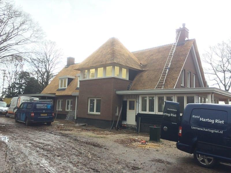 Den Hartog riet - Rietdekken villa in Wassenaar