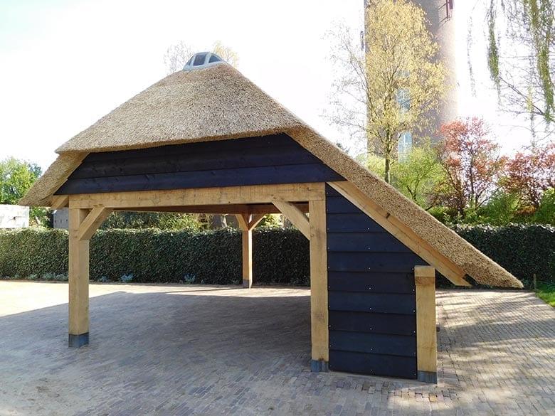 Den Hartog riet - Carport met rietendak